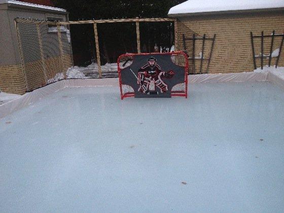 filet protecteur de patinage de glace de docteur Lorne Levy à Toronto, Ontario, Canada