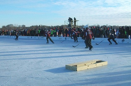 Pond hockey goal net used in US Pond Hockey competitions